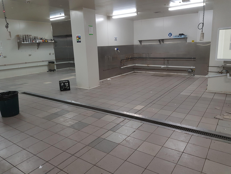 remove tiles on floor
